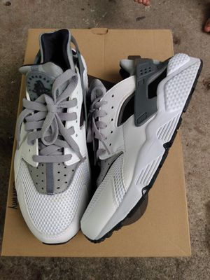 Nike Huarache size 9.5 for Sale in Columbus, OH