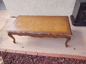 Vintage top coffee table for Sale in Clearwater, FL