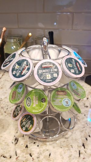 Keurig K-cup Carousel. Holds 27 kcups. Comes with 27 variety of flavor cups PLUS bonus 3 Carafe Cups for Sale in Palm Shores, FL