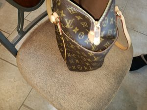 Authentic Louis Vuitton for Sale in Norman, OK