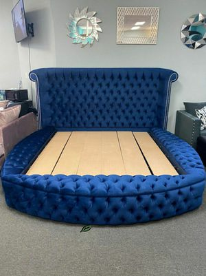 👉$39 Down Payment 👈👍 Luxus Velvet Navy King Storage Platform Bed for Sale in Jessup, MD