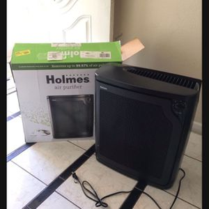 Holmes Large Room 4-Speed True HEPA Air Purifier with Quiet Operation, Black for Sale in Huntington Beach, CA