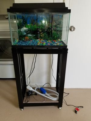 10 gallon aquarium with stand + extras for Sale in Port Richey, FL
