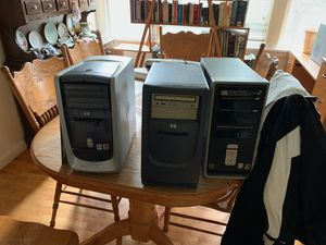 2 older computer towers for Sale in Puyallup, WA