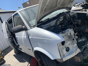Astro van GMC safari parts doors rims lights bumpers for Sale in Los Angeles, CA
