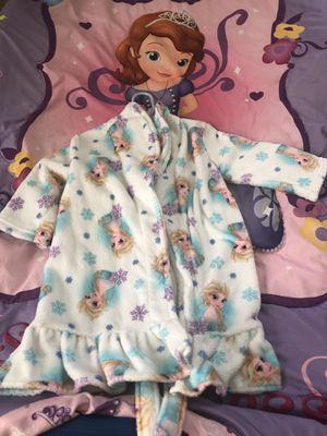 Elsa Toddler Bath Robe 3T for Sale in MAGNOLIA SQUARE, FL