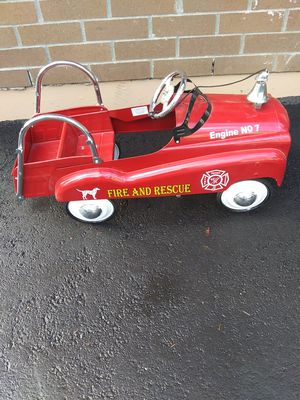 Metal pedal car fire truck NO. 7 with bell like new stiil for Sale in Lake Stevens, WA