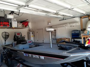 2013 Bass Tracker 17 foot garage kept very low hours for Sale in Chandler, AZ
