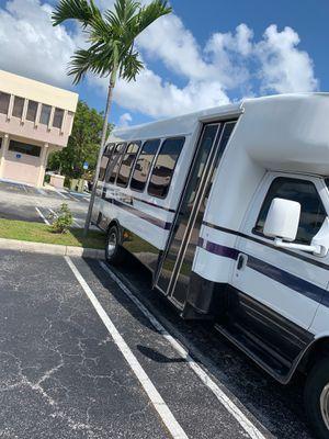 Ford F450 Bus for Sale in North Miami Beach, FL