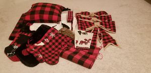 Red & black checkered Christmas decor for Sale in Powder Springs, GA