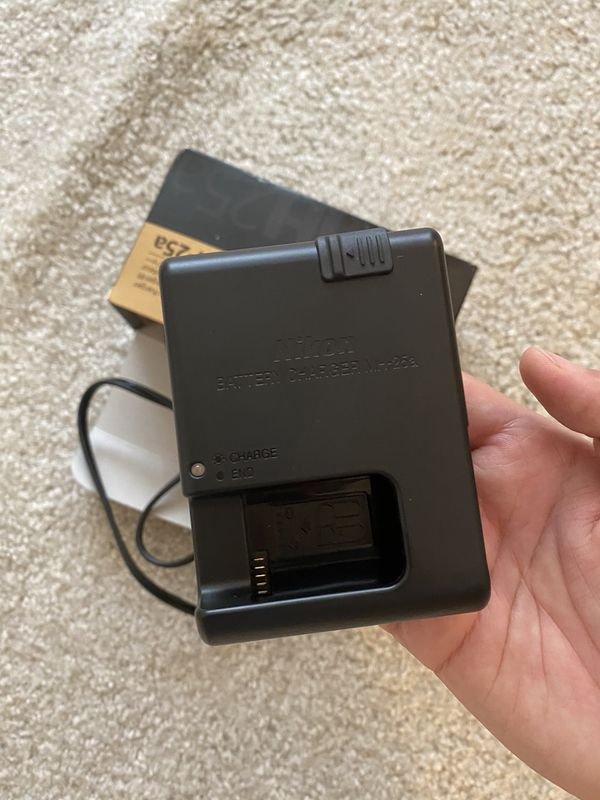 Brand New Nikon MH-25a Camera Battery Charger
