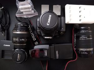 Canon EOS 500d Bundle with flash and batteries for Sale in Atlanta, GA