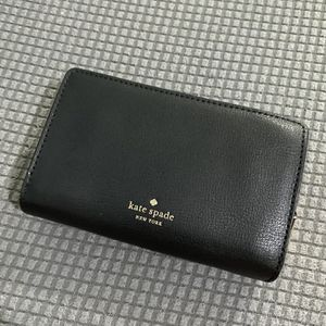 Kate Spade Wallet for Sale in Queens, NY
