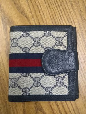 Gucci wallet for Sale in Portland, OR