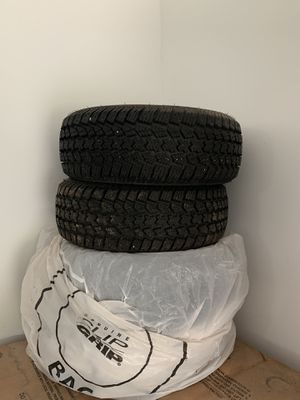 Snow tires 195/60R14 hardly used for Sale in Traverse City, MI