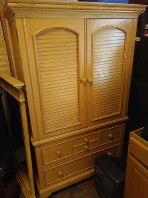 Dresser set with mattress for Sale in Avon Park, FL