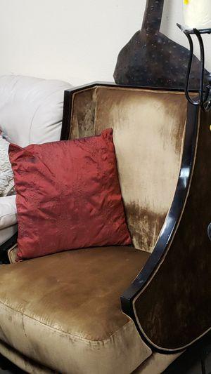 Antique /Vintage Velvet Chair for Sale in Las Vegas, NV