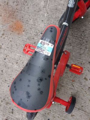 Kid bike with training wheels for Sale in East Lansdowne, PA
