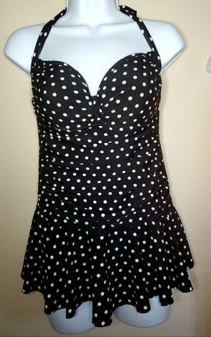 Super cute halter style polka dot swimsuit. for Sale in Lacey, WA