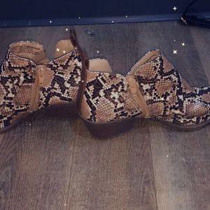 Snakeskin Boots for Sale in Smyrna, TN