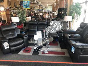 7 Piece Reclining Living Room Set for Sale in Detroit, MI