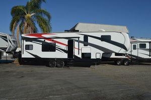 2021 Pacific Coachworks Blazen 2800XL Toy Hauler for Sale in Riverside, CA
