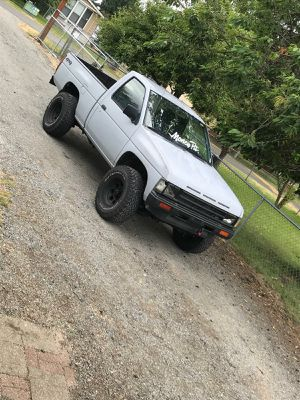 1992 nissan D21 Hard body truck 4x4 for Sale in Yelm, WA