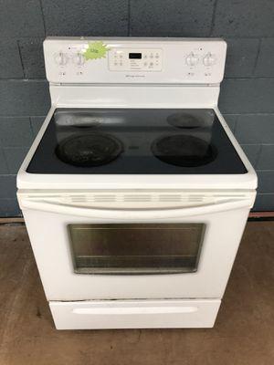 Frigidaire white electric stove for Sale in Woodbridge, VA