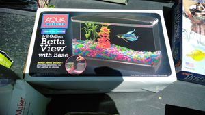 Small fish tank for Sale in East Saint Louis, IL