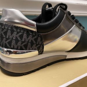 Michael Kors Shoes for Sale in Greenwich Township, NJ