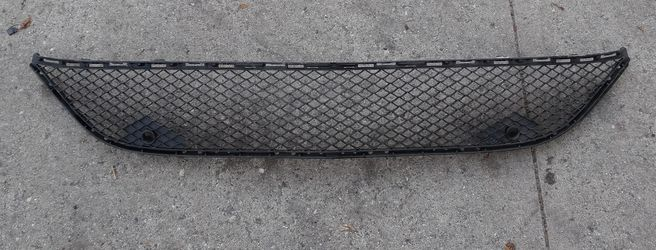 2015-2017 MERCEDES S550 FRONT BUMPER LOWER GRILLE for Sale in South Gate,  CA