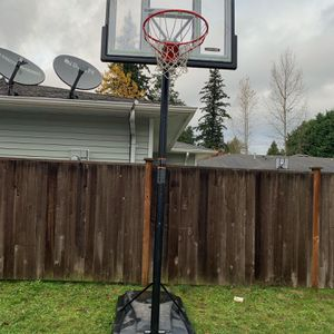 Basketball Hoop for Sale in Marysville, WA