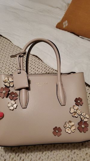 KATE SPADE flower small bag for Sale in Anaheim, CA
