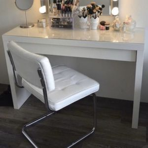 White MALM Dressing Table for Sale in Fort Lauderdale, FL