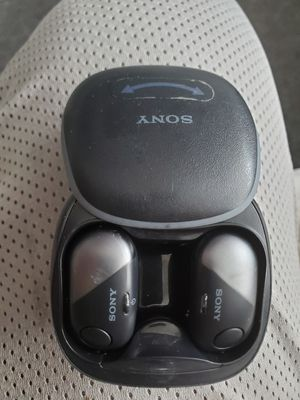 Sony bluetooth headphones for Sale in Seattle, WA