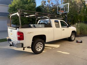 2008 Chevy Silverado truck 4x4 for Sale in Powell, OH
