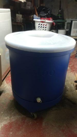 Igloo Keg Cooler on wheels for Sale in Warren, MI