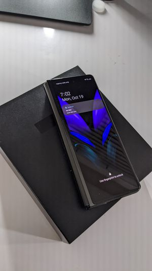 Galaxy z fold 2 black unlocked with case for Sale in Mission Viejo, CA