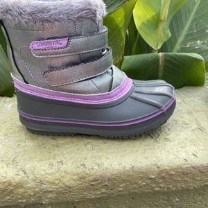 Girl Snow Boots for Sale in Compton, CA