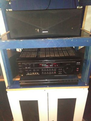 Polk audio tower speakers with receiver and surround for Sale in Lancaster, TX