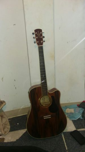 Alvarez brand new guitar adjustable to turn into a electric guitar for Sale in Hyattsville, MD