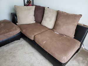 L shape sectional couch for Sale in Gibsonton, FL