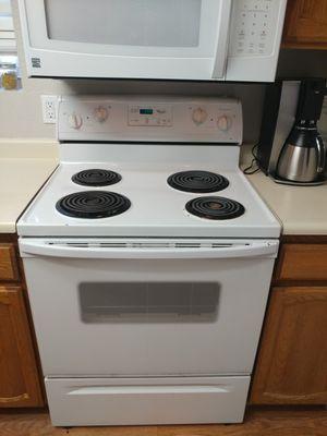 Whirlpool white oven appliance for Sale in Chandler, AZ
