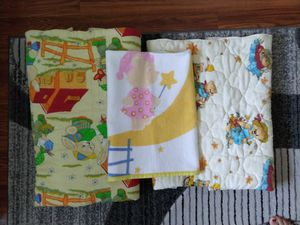 Crib comforters and blanket for Sale in Schaumburg, IL