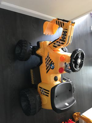 Kids excavated digger for Sale in Los Angeles, CA
