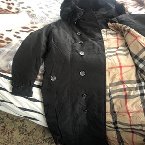Burberry Woman Winter Coat for Sale in Philadelphia, PA