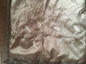 King comforter with pillows! for Sale in Traverse City, MI