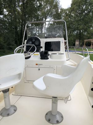 2000 Hydra Sports 20ft Center Console Boat for Sale in Stone Mountain, GA
