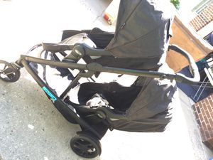 Graco double stroller converts to a single slides in handles adjusts seats can be turned either way for Sale in Fayetteville, NC