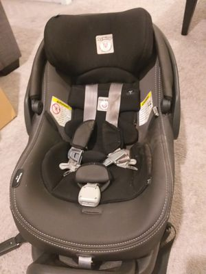 Peg-Perego baby car seat for Sale in Hialeah, FL